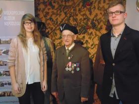 kpt. J�zef Sztuka i laureaci III LO
